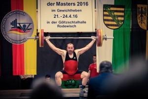 Swen Elspass beim Reißen, Gewichtheben EM Masters 2016